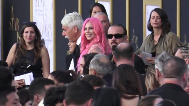 stockvideo's en b-roll-footage met cleo rose elliott arrives at a star is born premiere at the shrine auditorium in los angeles in celebrity sightings in los angeles - cleo rose elliott