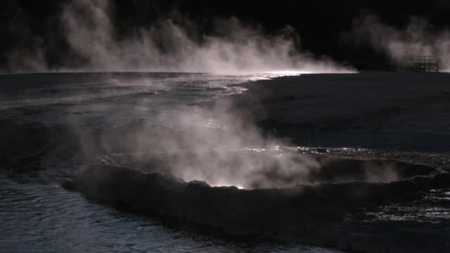 cliff geyser erupting  - geyser video stock e b–roll