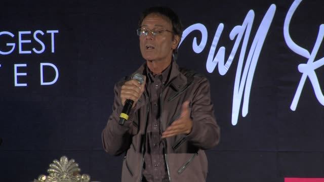 cliff richard on gloria hunniford, david gest and more at the cliff richard soulicious album launch at london england. - グロリア ハニフォード点の映像素材/bロール