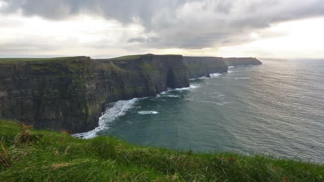 HD: Cliffs of Moher, Ireland