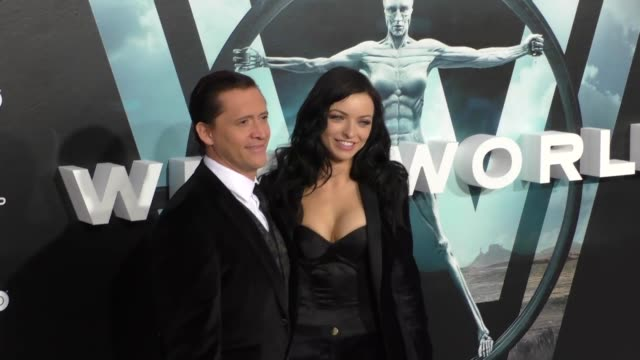 stockvideo's en b-roll-footage met clifton collins jr. & francesca eastwood at the hbo premiere of westworld at tcl chinese theatre in hollywood at celebrity sightings in los angeles... - tcl chinese theatre