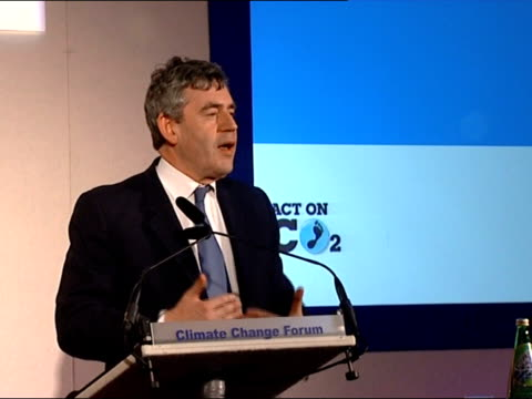 vídeos de stock, filmes e b-roll de brown / gore speeches brown to podium gordon brown mp speech sot enjoyed discussion / results will be vital for policy making / talks of his... - viva gore