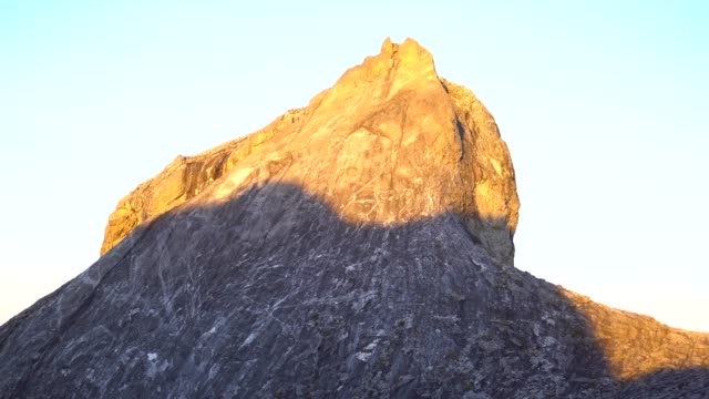 climbing mount kinabalu. - mt kinabalu national park stock videos and b-roll footage