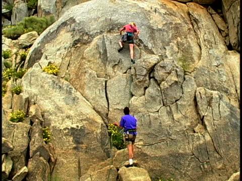 vídeos y material grabado en eventos de stock de climbing - escalada libre