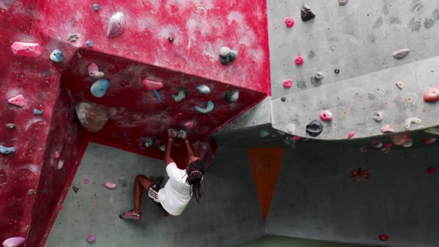 climbing wall jump - endurance stock videos & royalty-free footage