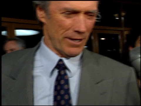 clint eastwood at the 'absolute power' premiere at the mann festival theater in westwood, california on february 4, 1997. - クリント・イーストウッド点の映像素材/bロール