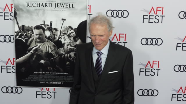 """clint eastwood at the """"richard jewell"""" world premiere gala screening at tcl chinese theatre on november 20, 2019 in hollywood, california. - クリント・イーストウッド点の映像素材/bロール"""