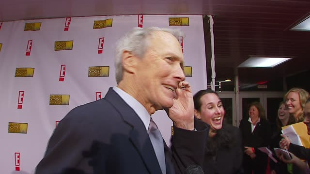 clint eastwood on award shows and if he ever gets tired of them at the broadcast film critics association's 2007 critic's choice awards at santa... - ブロードキャスト映画批評家協会点の映像素材/bロール