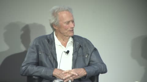 vídeos y material grabado en eventos de stock de clint eastwood on loving western films as a kid at cinema masterclass with clint eastwood on may 21, 2017 in cannes, france. - western usa