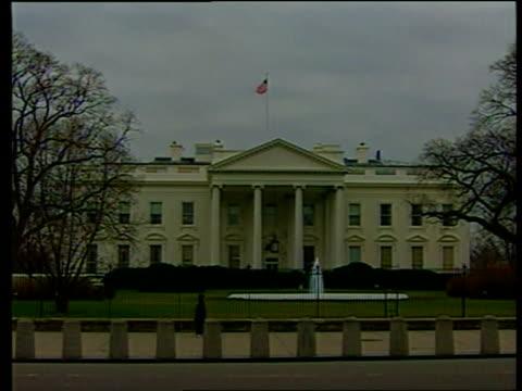 effects of iraq attacks bnat james usa washington ext white house zoom in - アルファベットのb点の映像素材/bロール