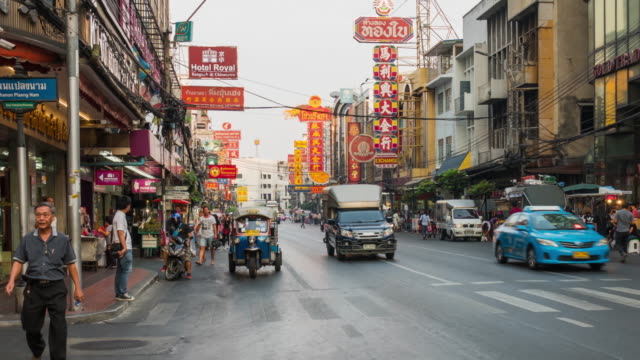 4k clip hyper lapse of bangkok china town since evening till night time, thailand - thailand stock videos & royalty-free footage