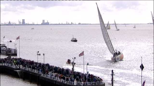 yachts return to hull england humber estuary ext general view of clipper round the world race yachts sailing along humber on return from race... - セーリングチーム点の映像素材/bロール