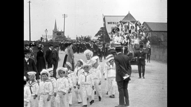 vidéos et rushes de clitheroe coronation procession 1911 - marinière