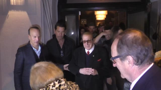 clive davis and barbara davis ignore questions about r. kelly after dinner at craig's in los angeles at celebrity sightings in los angeles on january... - clive davis stock videos & royalty-free footage