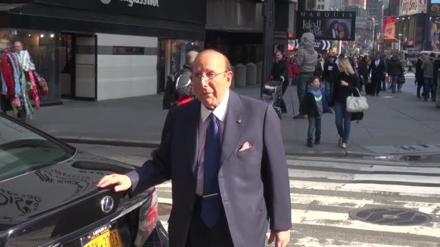 clive davis at the vh1 studio in new york ny on 4/1/13 - vh1 stock videos & royalty-free footage
