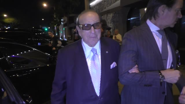 clive davis discusses inspirational cities after dinner with barbara davis at craig's in west hollywood in celebrity sightings in los angeles, - clive davis stock videos & royalty-free footage