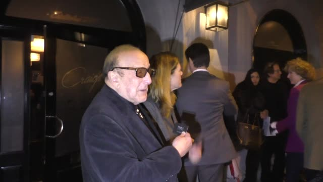 clive davis ignores questions about r. kelly outside craig's restaurant in west hollywood in celebrity sightings in los angeles, - r. kelly stock videos & royalty-free footage