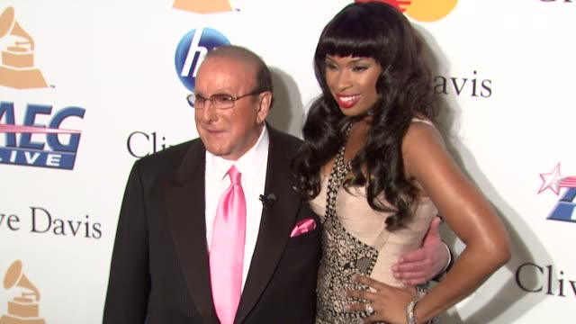 clive davis, jennifer hudson at the pre-grammy gala & salute to industry icons with clive davis honoring david geffen at beverly hills ca. - ジェニファー・ハドソン点の映像素材/bロール