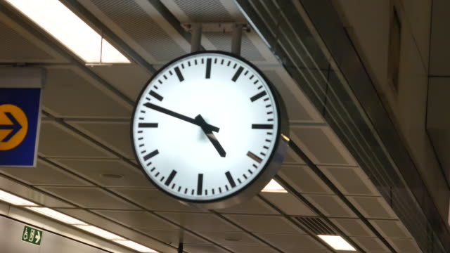 clock in train station - canary wharf stock videos & royalty-free footage