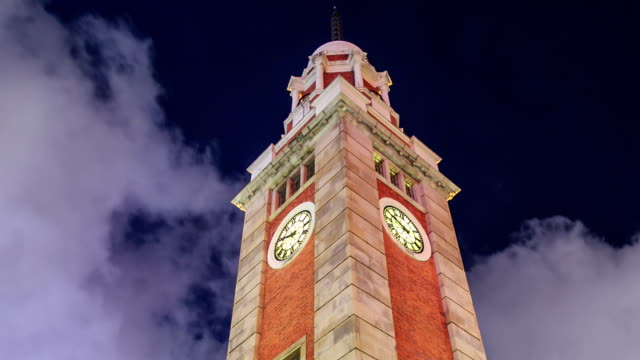 clock tower-hyperlapse - turmuhr stock-videos und b-roll-filmmaterial