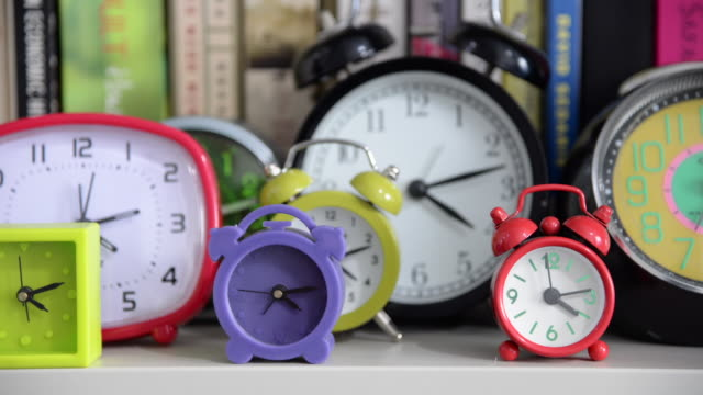 clocks time lapse - bunt stock-videos und b-roll-filmmaterial