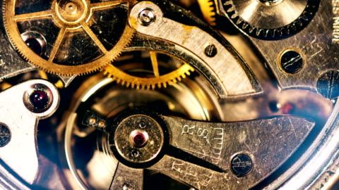 vídeos y material grabado en eventos de stock de mecánica engranajes de trabajo - pieza de máquina