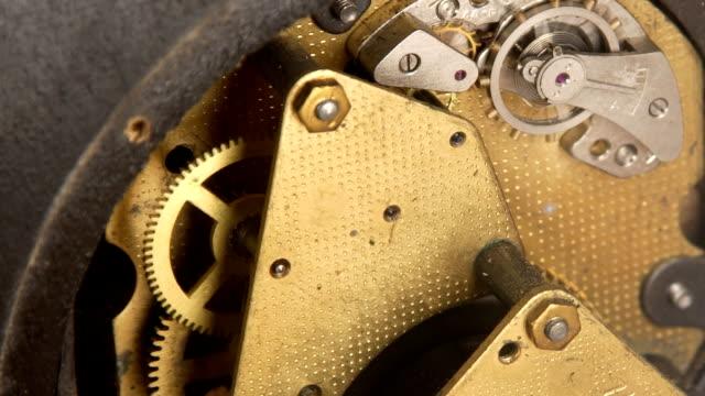 時計仕掛け機構 - 大時計点の映像素材/bロール