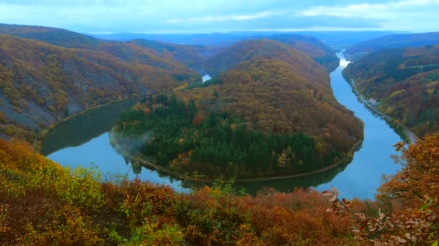 cloef viewpoint in orscholz and saar river bend, mettlach, saarland, germany, europe - river bend land feature stock videos & royalty-free footage