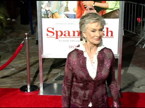 cloris leachman at the 'spanglish' premiere at the mann village theatre in westwood california on december 9 2004 - spanglish stock videos & royalty-free footage