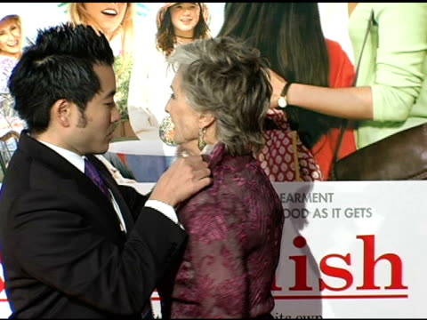 cloris leachman at the 'spanglish' premiere at the mann village theatre in westwood california on december 9 2004 - spanglish stock videos and b-roll footage