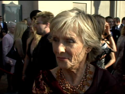 vidéos et rushes de cloris leachman on her two nominations at the 2005 creative arts emmy awards arrivals at the shrine auditorium in los angeles, california on... - nominations aux emmy awards