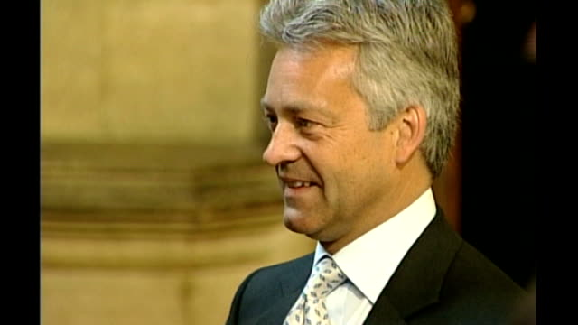 close shot of alan duncan - alan duncan stock-videos und b-roll-filmmaterial