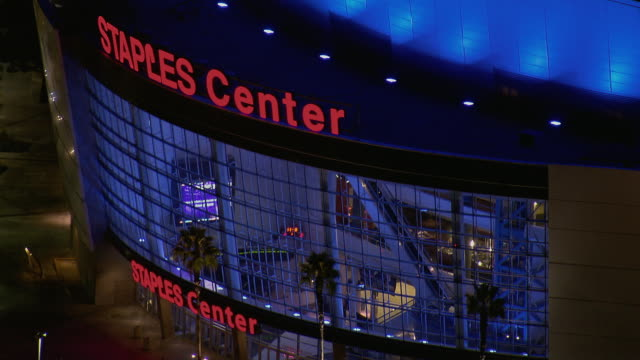 close shot of staples center in la - staples centre stock videos & royalty-free footage