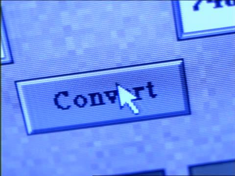 "vídeos y material grabado en eventos de stock de close up arrow moving over ""convert"" button on computer screen - escritura occidental"