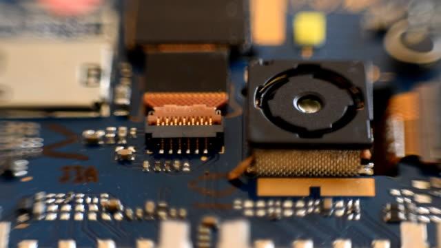 電子デバイスのクローズ アップ - 中央演算処理装置点の映像素材/bロール