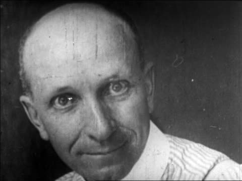 b/w 1922 close up bald convicted killer (dr. dudding?) talking / newsreel - one mid adult man only stock videos & royalty-free footage