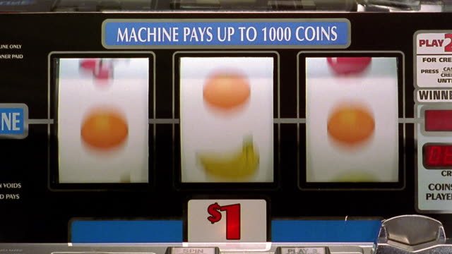 "vídeos y material grabado en eventos de stock de close up bars of slot machine landing on all ""loss'"" - tragaperras"