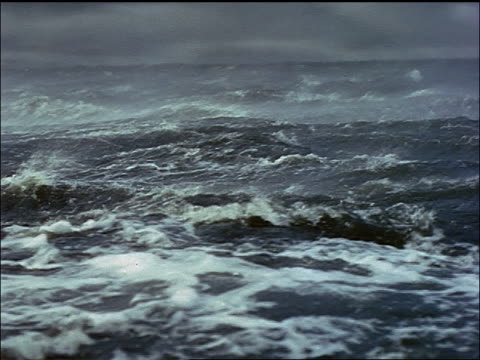 close up boat point of view rough seas + storm / plymouth adventure (1952) - rau stock-videos und b-roll-filmmaterial