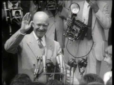 vídeos y material grabado en eventos de stock de close up eisenhower at microphones / 1950's / sound - only mature men