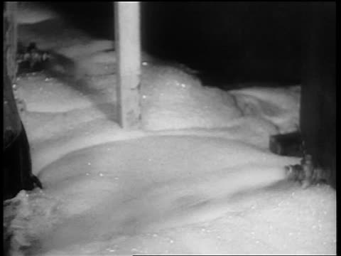 b/w 1932 close up foaming beer spraying out onto floor from valve at bottom of giant vat / chicago - anno 1932 video stock e b–roll