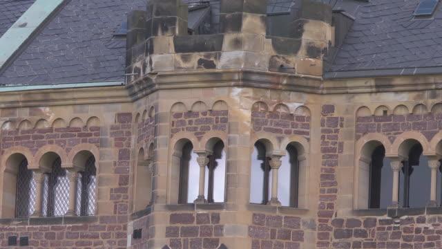 close up  - front  - windows - wartburg castle - 宗教的指導者 マルティン・ルター点の映像素材/bロール