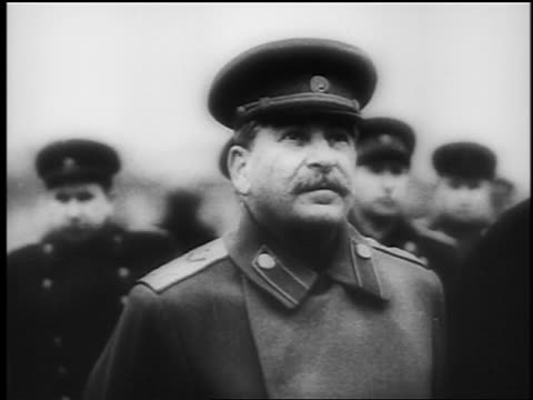 b/w 1944 close up joseph stalin in uniform looking up outdoors / documentary - einzelner mann über 30 stock-videos und b-roll-filmmaterial