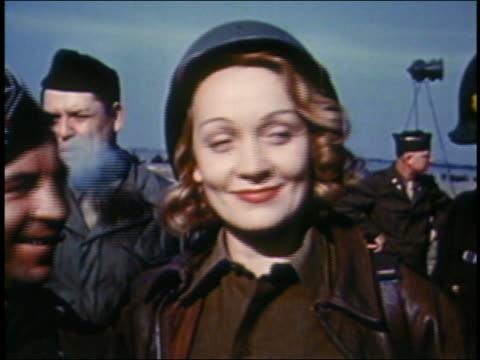 vidéos et rushes de close up marlene dietrich in uniform - 1944