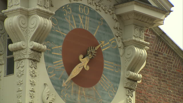 close up of a clock face at independence hall in philadelphia, pennsylvania. - independence hall stock videos & royalty-free footage