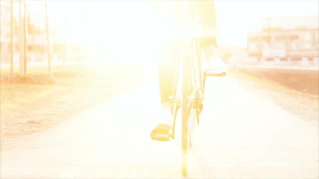 クローズアップの自転車で、サンセット