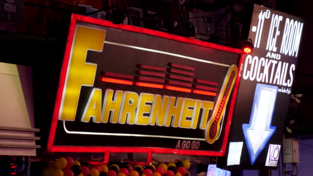 4k close up of fahrenheit agogo club entrance sign on walking street in pattaya thailand. one of the longest established and famous go go bars in pattaya and thailand - bordell stock-videos und b-roll-filmmaterial