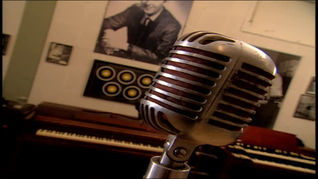 close up of older microphone at sun studio - tennessee stock-videos und b-roll-filmmaterial