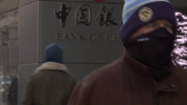close up of pedestrians bundled up in warm clothing on an unusually cold day in new york city - warm clothing stock videos & royalty-free footage