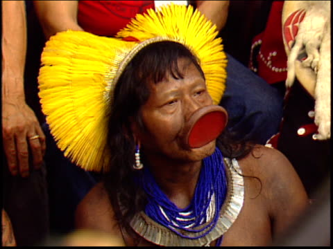 A close up of Raoni Metuktire an indigenous rights leader and Kayapo Indian at a press conference with Sting in the Amazon