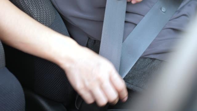 安全ベルトのクローズアップ - シートベルト点の映像素材/bロール